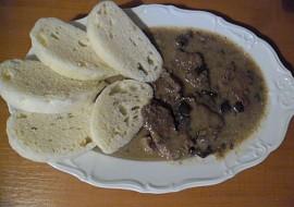 Roštěnky s hořčicí na hříbkách,se smetanou recept