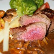 Bifteky na víně recept