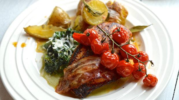 Pečené kuře s rozmarýnovými bramborami