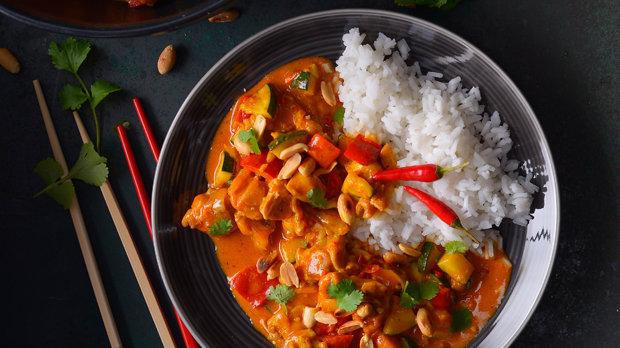 Thajské kuřecí kari s cuketou