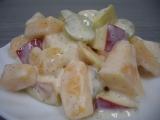 Ovocný salát se skořicí recept