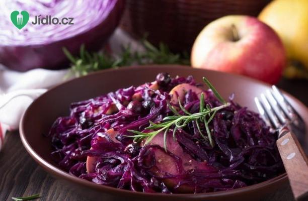 Červené zelí s jablky recept