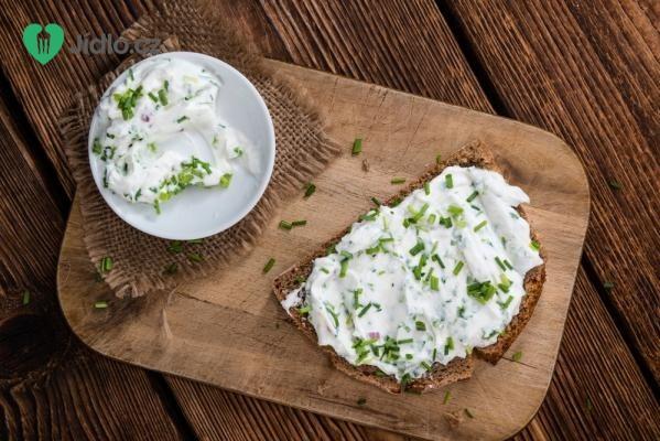 Česnekovo – tvarohová pomazánka recept