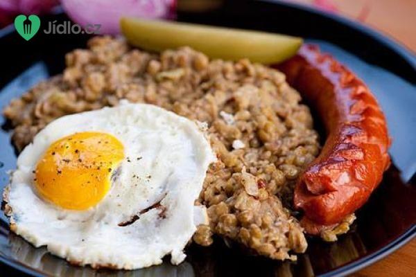 Čočka s uzeninou a vejcem recept