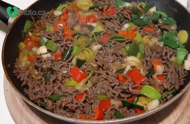 Hovězí mleté maso se zeleninou recept