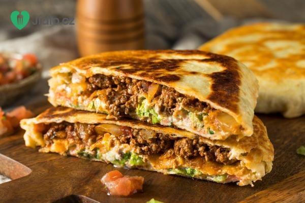 Hovězí quesadilla se sýrem a guacamole recept