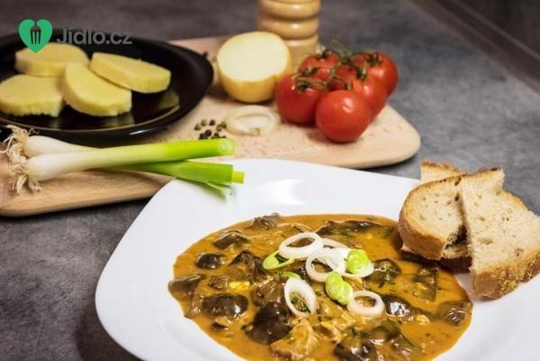 Jednoduchý houbový guláš recept
