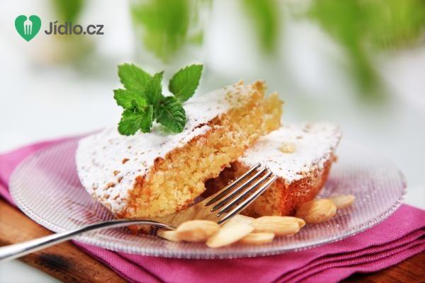 Koláč s mandlemi recept