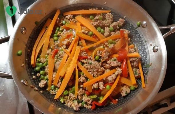 Krůtí mleté maso se zeleninou recept