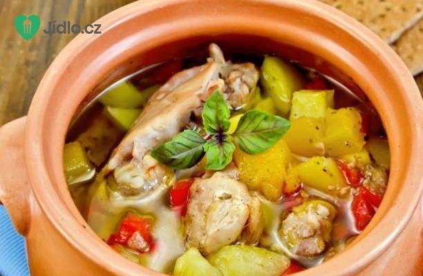 Kuře s brambory a zeleninou recept