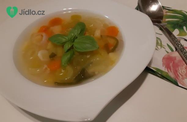 Kuřecí polévka se zeleninou recept