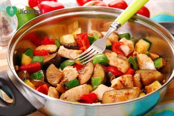 Kuřecí prsa na zelenině recept