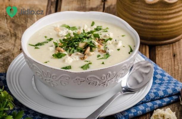 Květáková polévka se sýrem Stilton recept