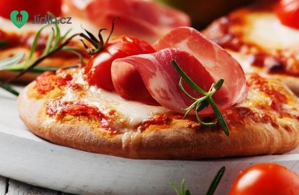 Mini pizza s šunkou a mozzarellou recept