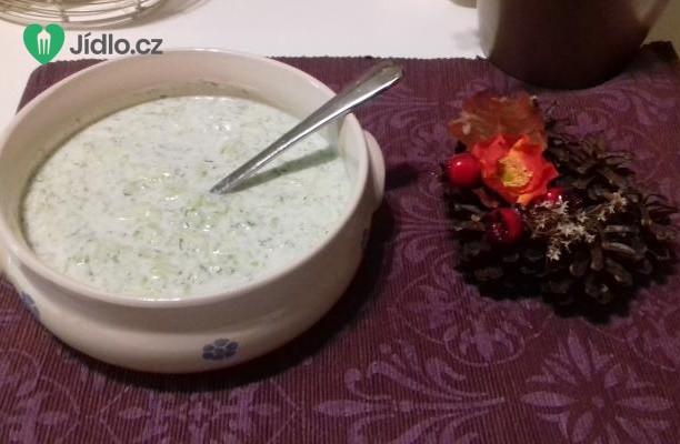 Okurka s bílým jogurtem  recept