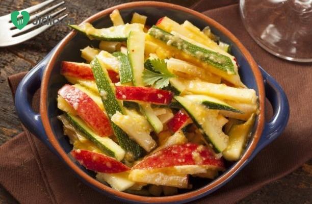 Předkrm  z jicama s limetkovou šťávou a chilli kořením recept