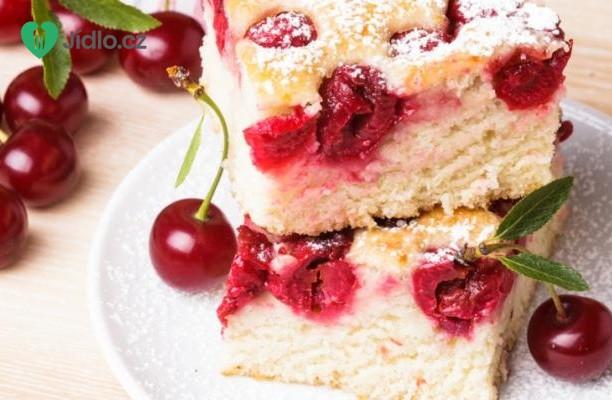 Piškotový koláč s višněmi recept