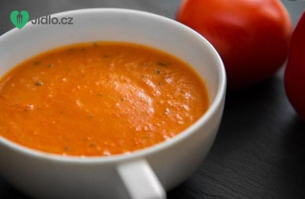 Rajčatová polévka s červenými paprikami recept