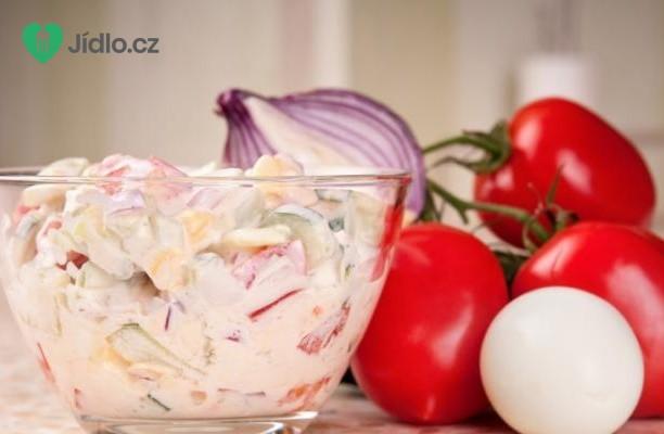 Rajčatový salát se zakysanou smetanou recept