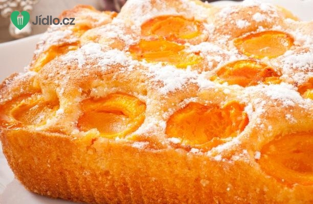 Rychlý jogurtový koláč s meruňkami recept