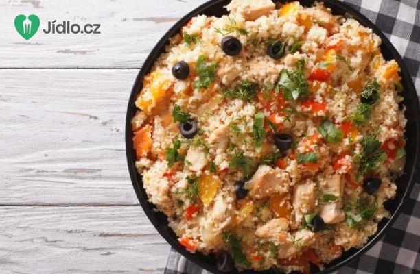 Salát z kuskusu s kuřecím masem a zeleninou recept