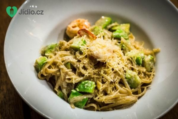 Špagety s avokádem a krevetami recept