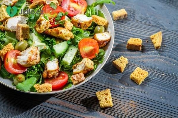 Studený kuřecí salát recept