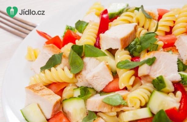 Těstovinový salát s kuřecím masem recept