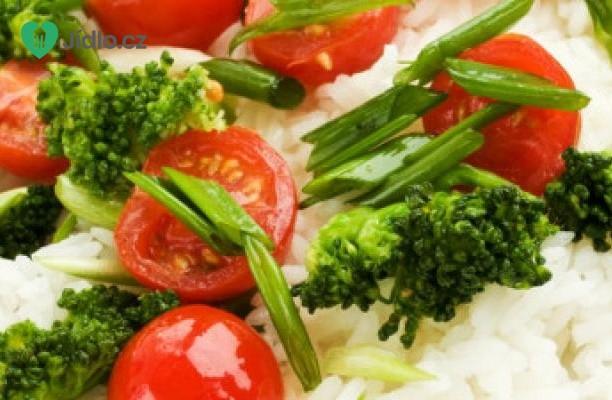 Thajská rýže s brokolicí a rajčaty recept
