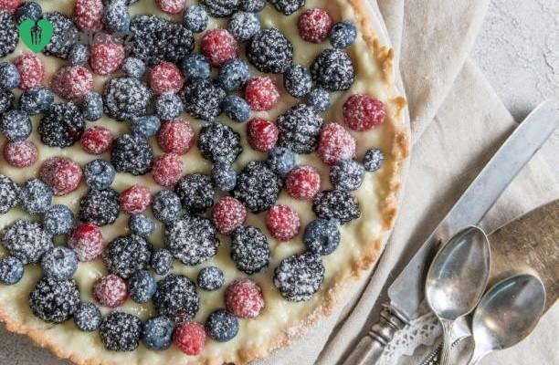 Tvarohový koláč s ostružinami recept