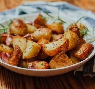 Americké brambory se sýrem