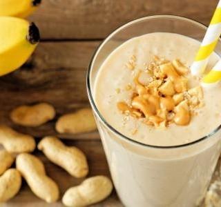 Banánovo arašídové smoothie