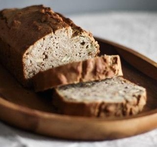 Bezlepkový chleba z domácí pekárny