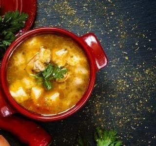 Bramborová polévka s mrkví na másle