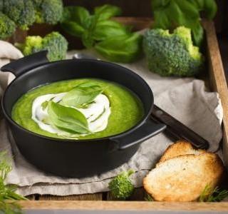 Brokolicová polévka se smetanou
