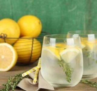 Citronová limonáda s tymiánem