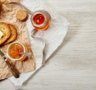 Domácí chléb s ořechy