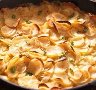 Gratinované brambory s celerem a sýrem feta recept