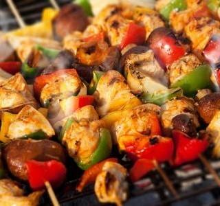 Grilované kuřecí špízy se zeleninou recept