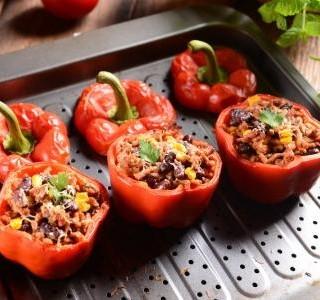 Grilované papriky s masovou náplní  recept
