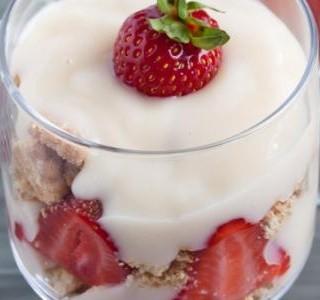 Jahodový pohár s mascarpone recept