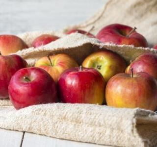 Koláče z listového těsta s jablky