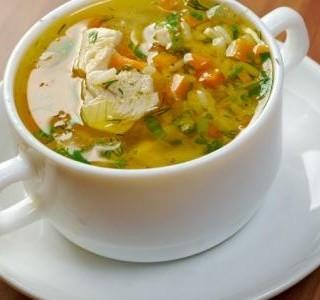 Krůtí polévka s rýží a zeleninou