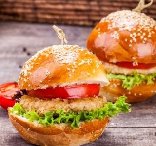 Kuřecí burgery se sýrem feta recept