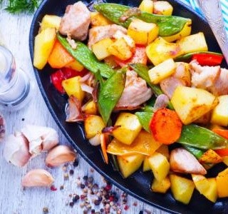 Kuřecí maso s letní zeleninou recept