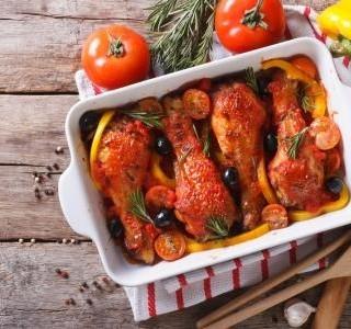 Kuřecí stehna v zeleninové omáčce recept