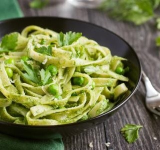 Lahodný těstovinový salát se špenátem