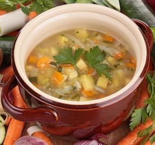 Letní bramborová polévka s pórkem