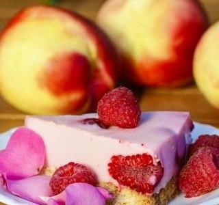 Malinový raw dort