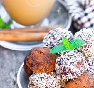 Ořechovo-datlové raw kuličky recept